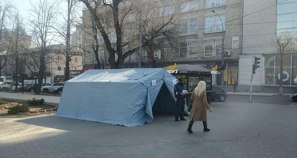 Спасут ли ковидные палатки от ковида? Большой вопрос.