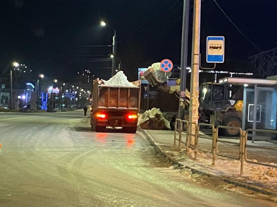 Снега в городе еще полно. Фото: администрация Челябинска