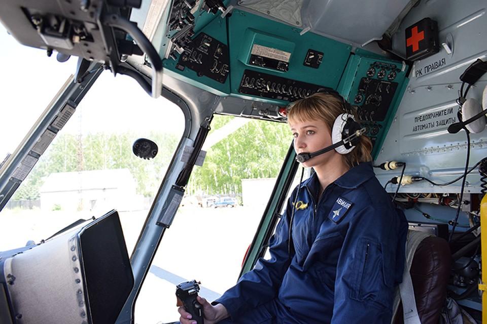 Самой красивой «Защитницей Приволжья-2021» стала летчик-штурман Анастасия Апасейкина.