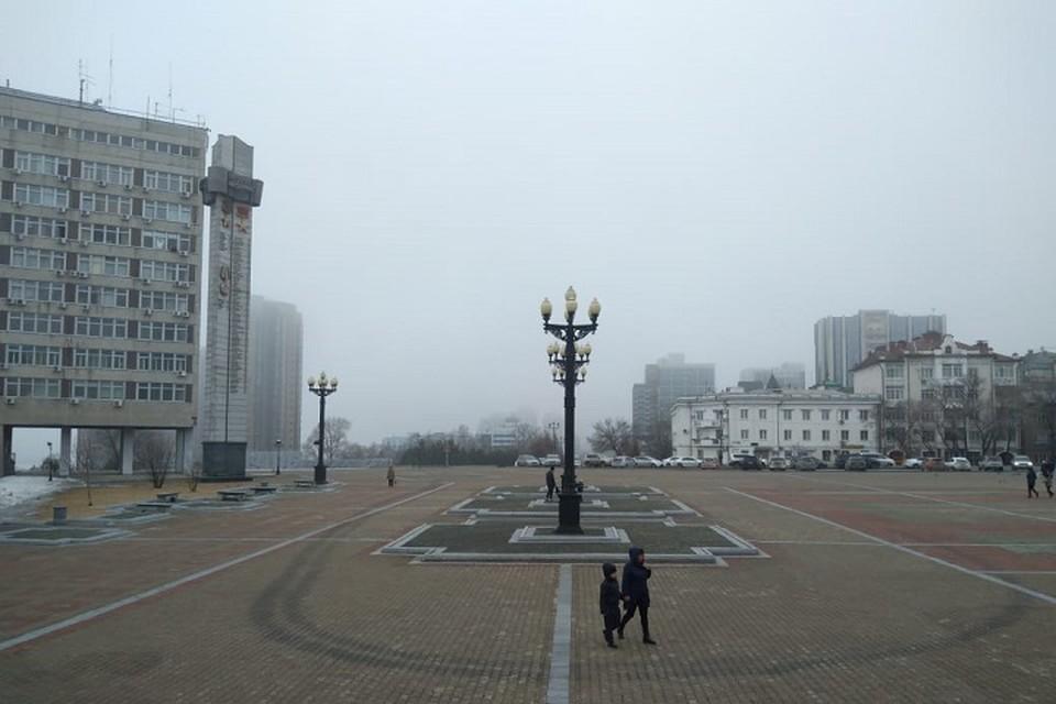 В Хабаровске держится высокая влажность - 94-98%, вдыхаешь воздух и чувствуешь сырость