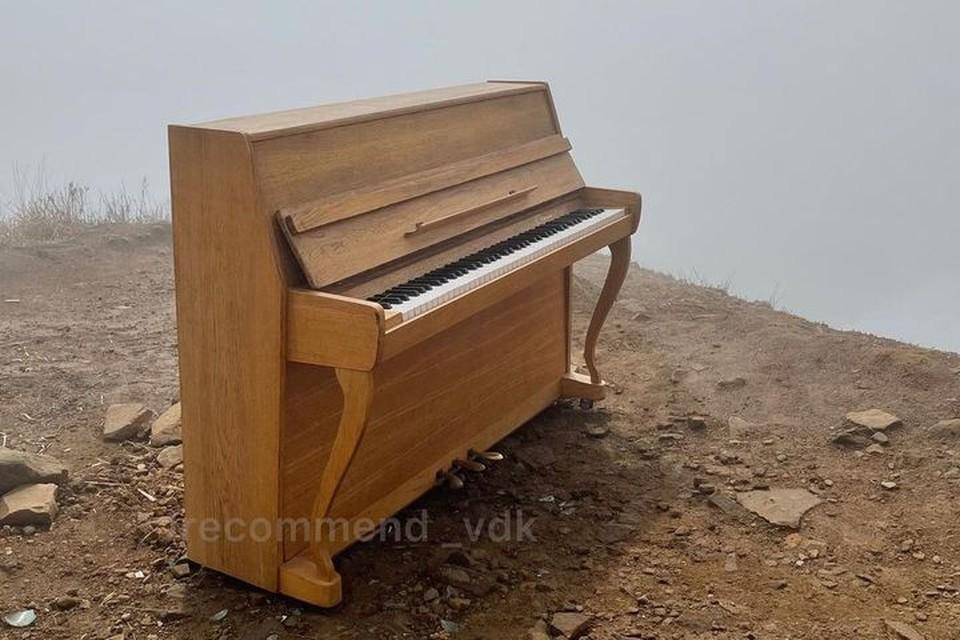 Новое пианино на старом месте. Фото: Instagram/irecommend_vdk