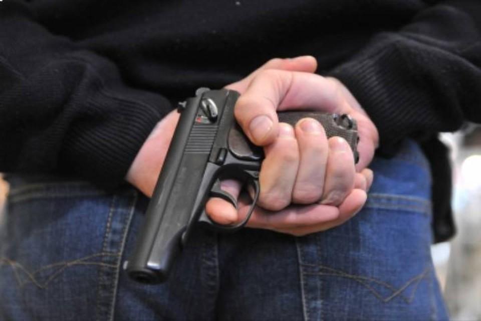 В Кирсе двое взрослых мужчин угрожали подросткам пневматическим оружием. Фото: sledcom.ru