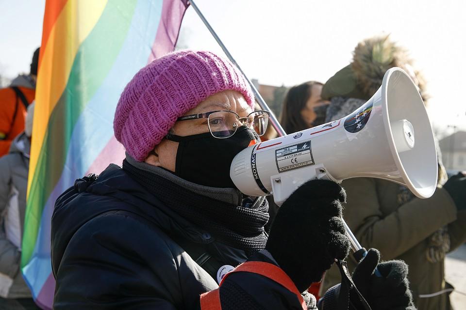 Продвижение интересов ЛГБТ-сообщества на уровне школы является оскорбительным