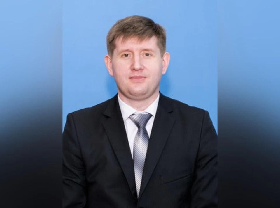 Стаж работы по специальности Вячеслава Бородина составлял 23 года. Фото: 1златшкола.рф