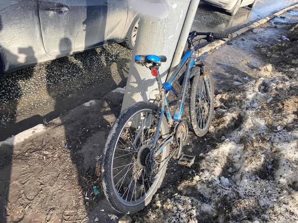 Автомобиль сбил 11-летнего мальчика на велосипеде на улице Ленина в Ижевске
