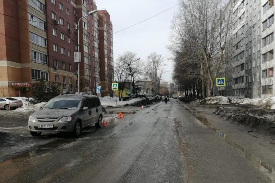 В Дзержинском районе Новосибирска «Лада» сбила мальчика, переходившего дорогу. Фото: Госавтоинспекция по Новосибирску