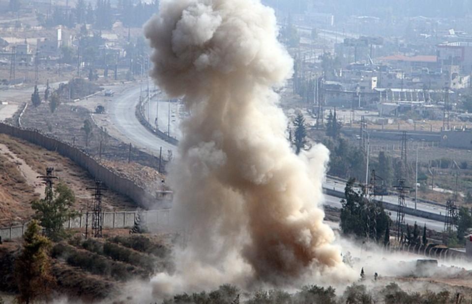 Возле военной базы Турции в Сирии прогремели взрывы, 10 человек погибли.