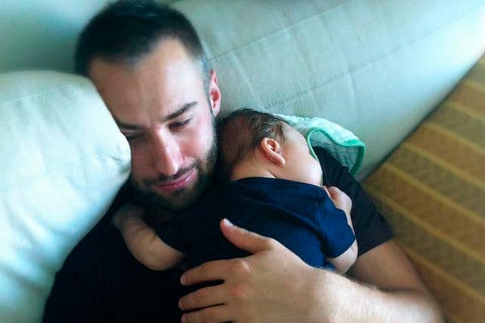 Дмитрий Шепелев разместил в блоге редкую фотографию с сыном от Жанны Фриске.