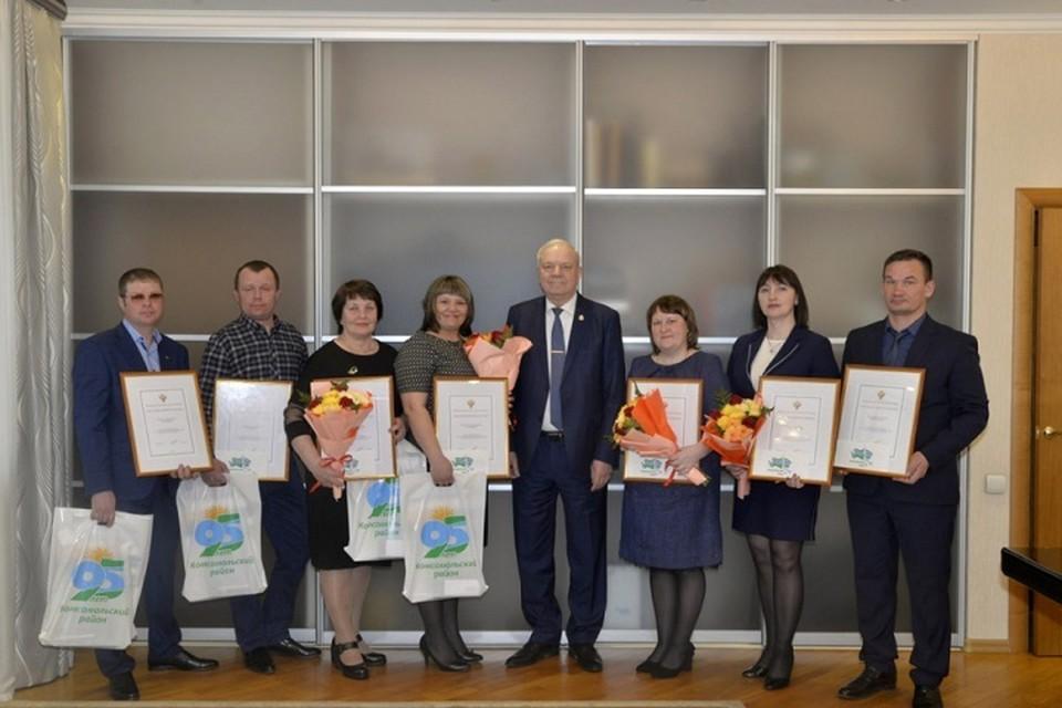 Волонтеров акции #МыВместе наградили в Комсомольском районе