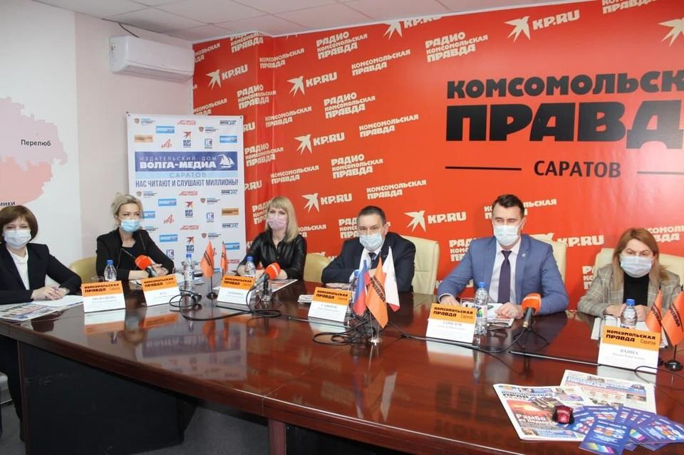 """В пресс-центре """"Комсомольской правды"""" обсудили реабилитацию пациентов, перенесших коронавирус"""