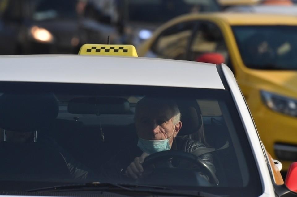 Каждый третий таксист России сталкивался с суеверными пассажирами