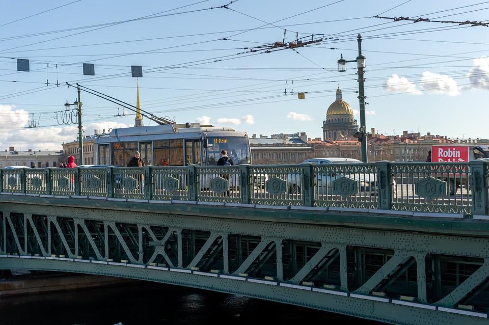 Мосты Петербурга не разведут в ночь на 14 апреля