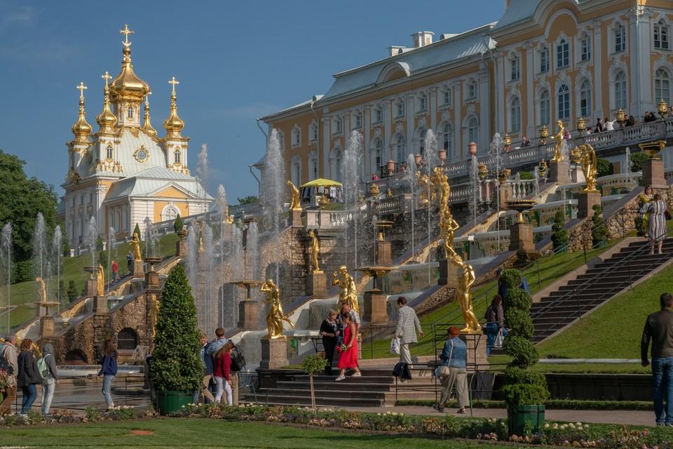 Праздника фонтанов в Петергофе запланирован на 22 мая