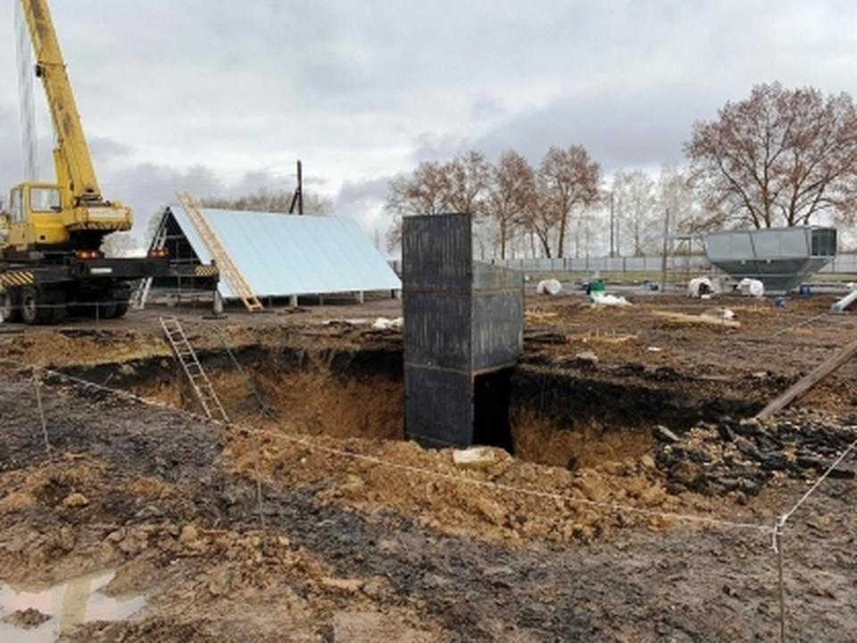 Выяснением обстоятельств трагедии занимаются трудовые инспекторы и сотрудники Следственного комитета.