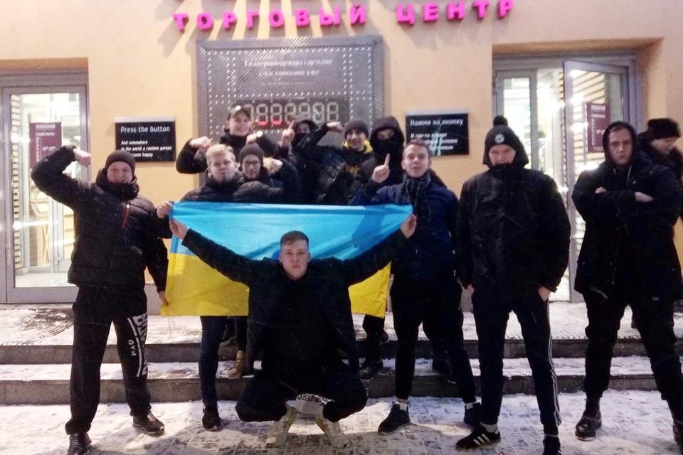 """""""Русское мясо"""" не в курсе, что эта фотография ушла с отчётом в Киев"""
