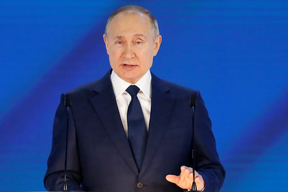 Владимир Путин сообщил, что федеральная власть поможет регионам рассчитаться по коммерческим кредитам