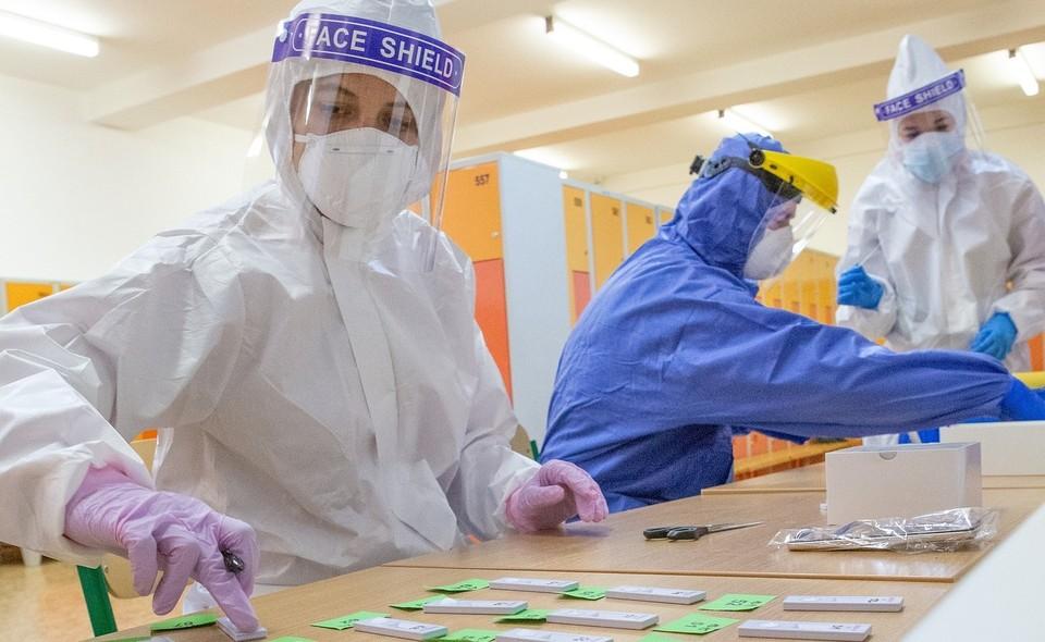 В Казахстане по-прежнему фиксируется от 2 до 3 тысяч новых заболевших коронавирусом