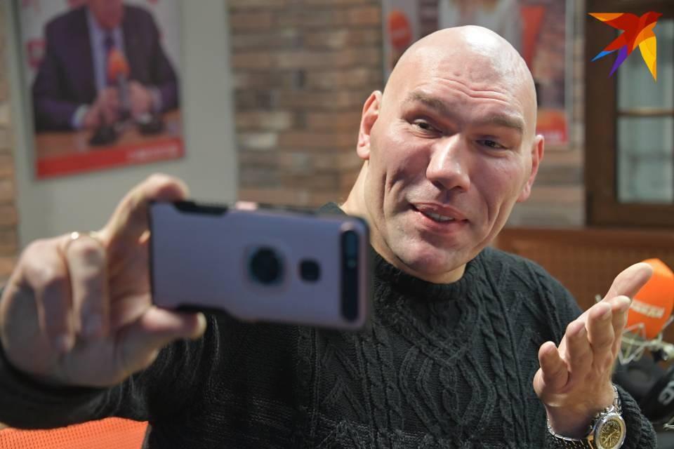 Николай Валуев передал привет Мурманской области.