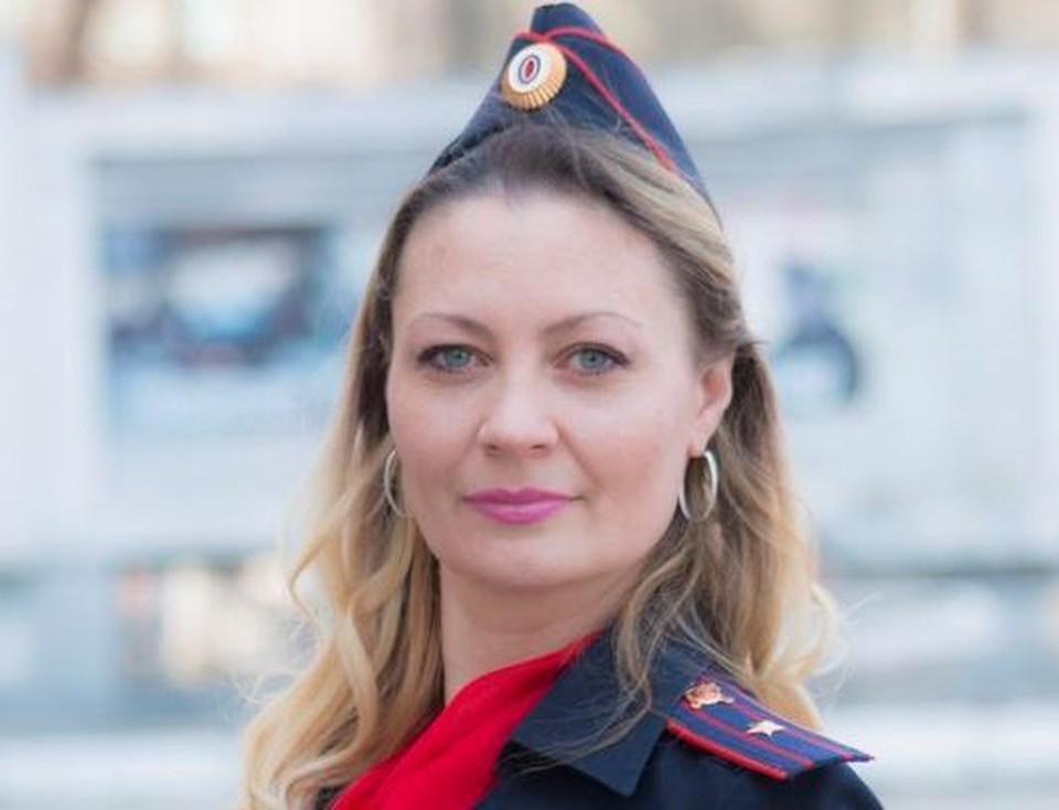 В Кемерове инспектор ПДН Наталья Корзюк спасла жительницу от необдуманного поступка. Фото: ГУ МВД по Кемеровской области.