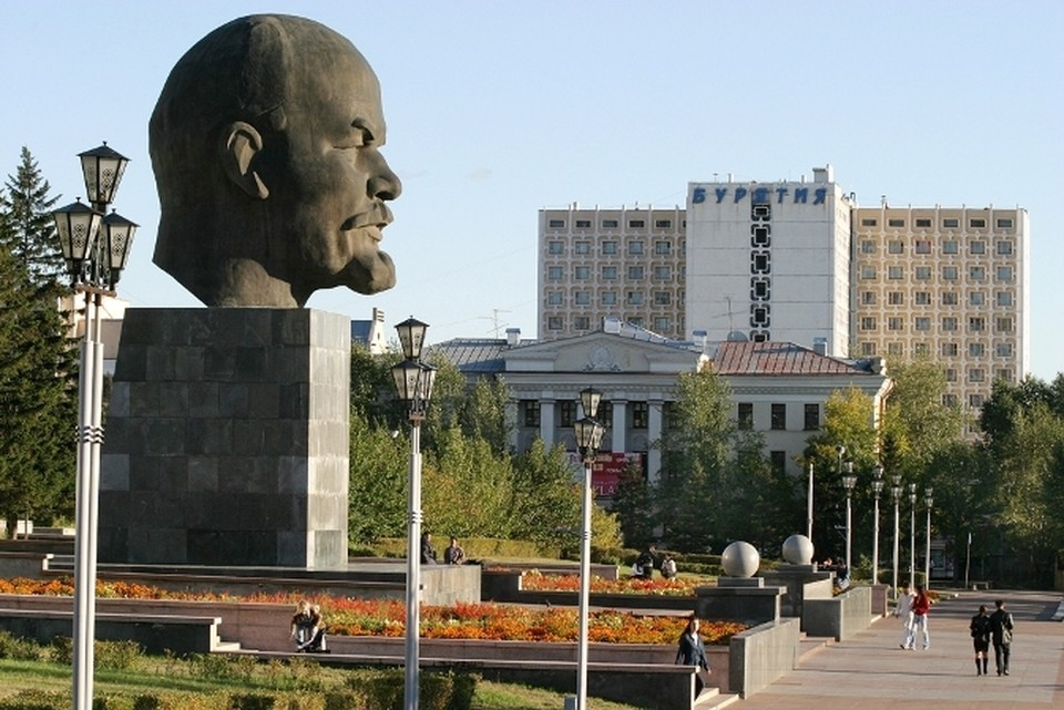 """Юбилей """"головы Ленина"""": в Улан-Удэ в этом году отмечают 50 лет уникальному памятнику. Фото: Марк АГНОР."""