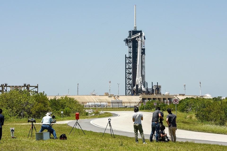 Космический корабль Crew Dragon-2 компании SpaceX с четырьмя астронавтами на борту в пятницу стартует к МКС.