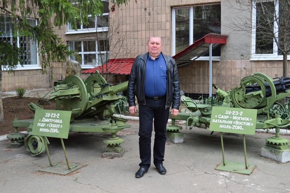 Владимир Землянский показал выставленные возле краеведческого музея останки боевой техники подразделений ДНР, участвовавших в обороне Саур-Могилы летом 2014 года