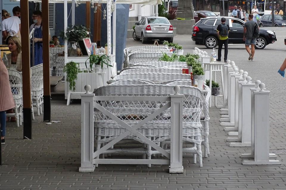 Липецкие чиновники согласовали 12 эскизов летних кафе