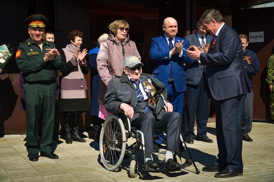 Ветерана ВОВ поздравили со столетним юбилеем под Новосибирском.