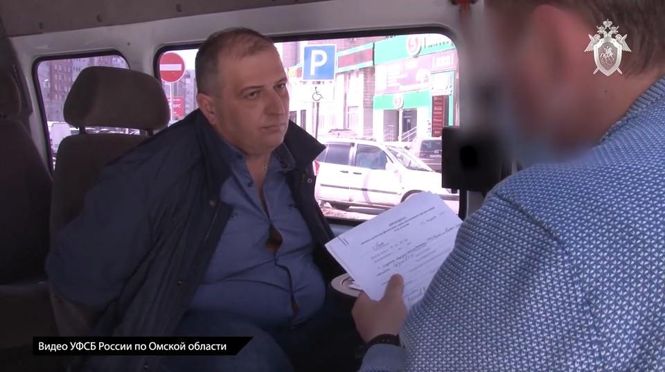 В Омске за взятку задержали главу УМВД за крупную взятку.