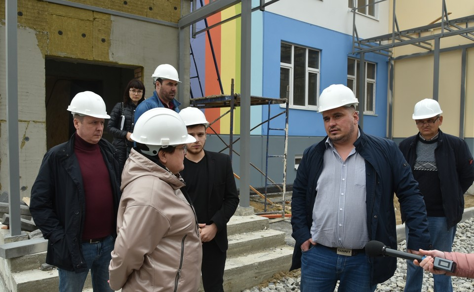 Глава Астрахани Мария Пермякова провела в Ленинском районе выездное совещание