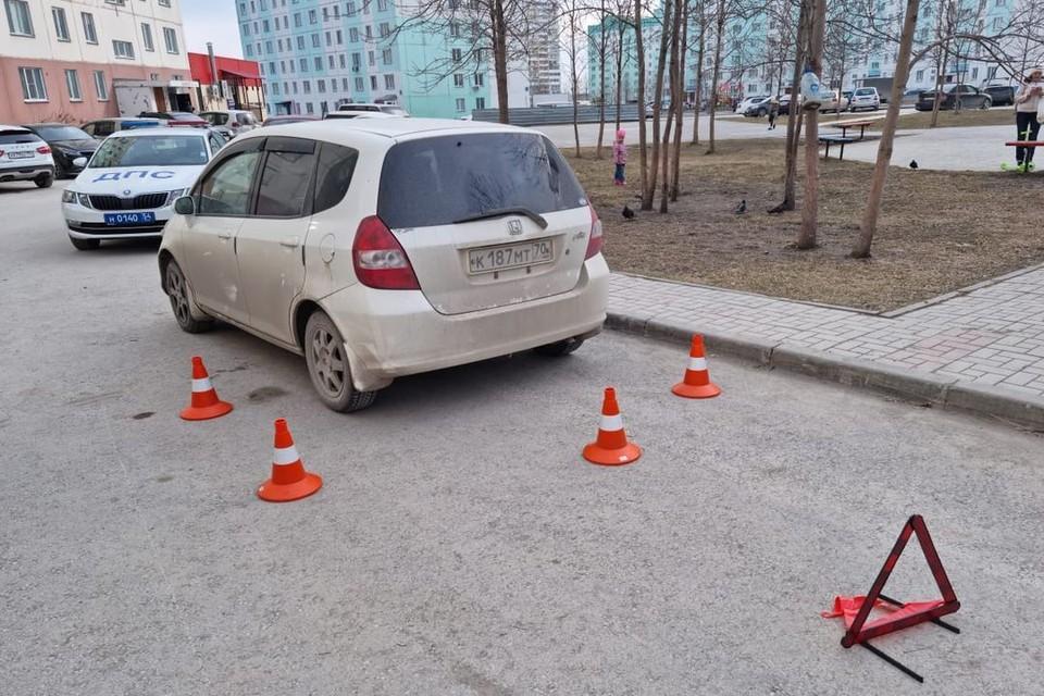 В Новосибирске, вечером 26 апреля, водитель иномарки сбил 5-летнего ребенка. Фото: Госавтоинспекция по Новосибирску