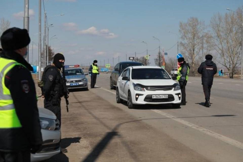 В Белохолуницком районе сотрудникам ГИБДД пришлось открыть огонь из табельного оружия, чтобы остановить нарушителя.