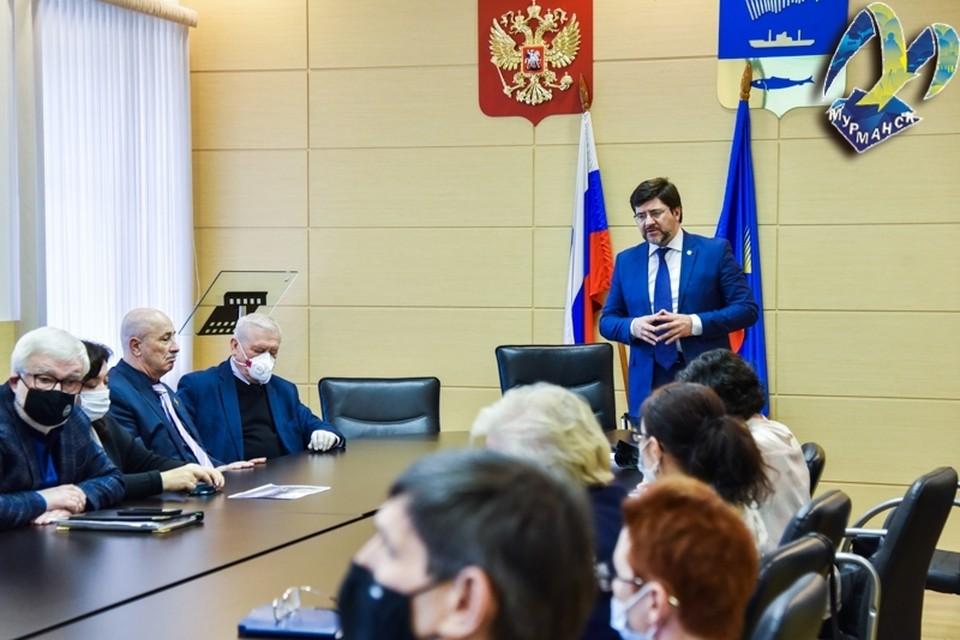 На заседании профильной комиссии поддержали установку бюста Николая Кононова. Фото: www.citymurmansk.ru