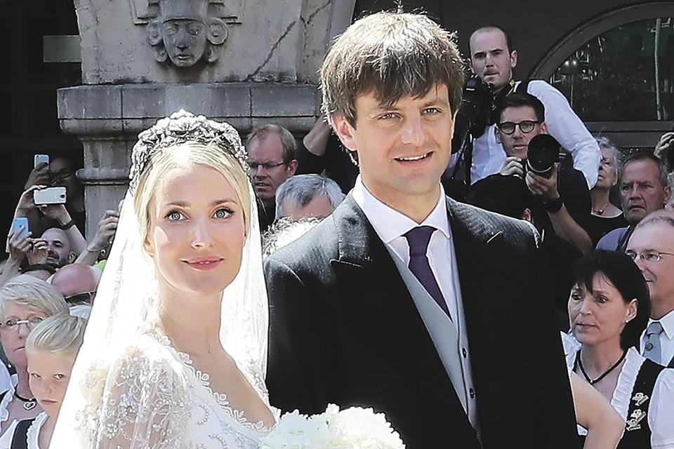 Свадьба принца и «Золушки» состоялась четыре года назад. Поздравить молодых съехались сотни гостей, представлявших монаршие семейства Европы. Фото: Rainer DROESE/Global Look Press
