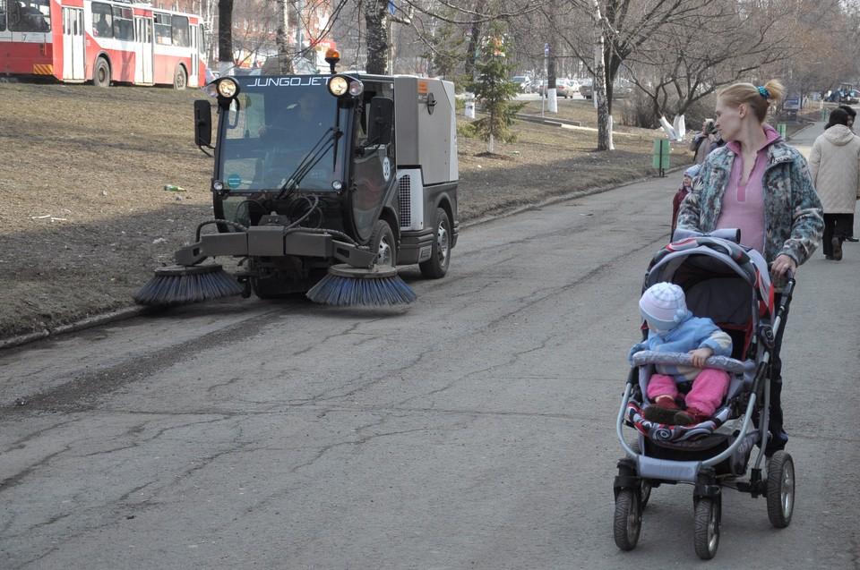 Время очистки тротуаров сократилось на четверть за последние полгода в Ижевске