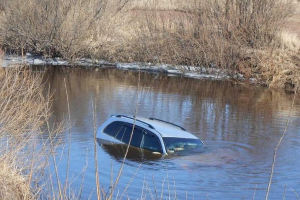 Водитель Toyota RAV-4 погиб, съехав в реку в Братском районе