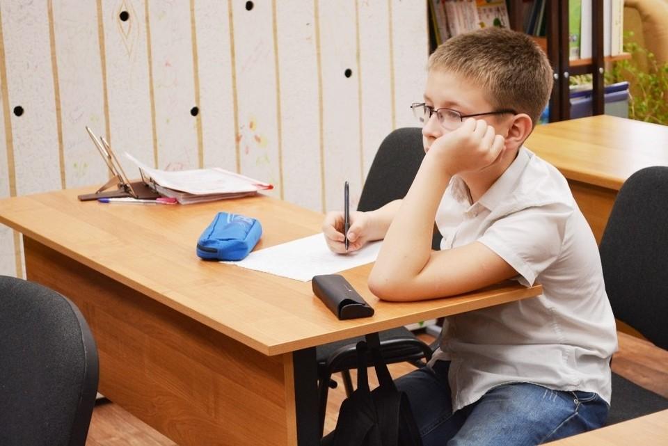 Администрации школ вправе самостоятельно принять решение о занятости школьников 3 и 8 мая.