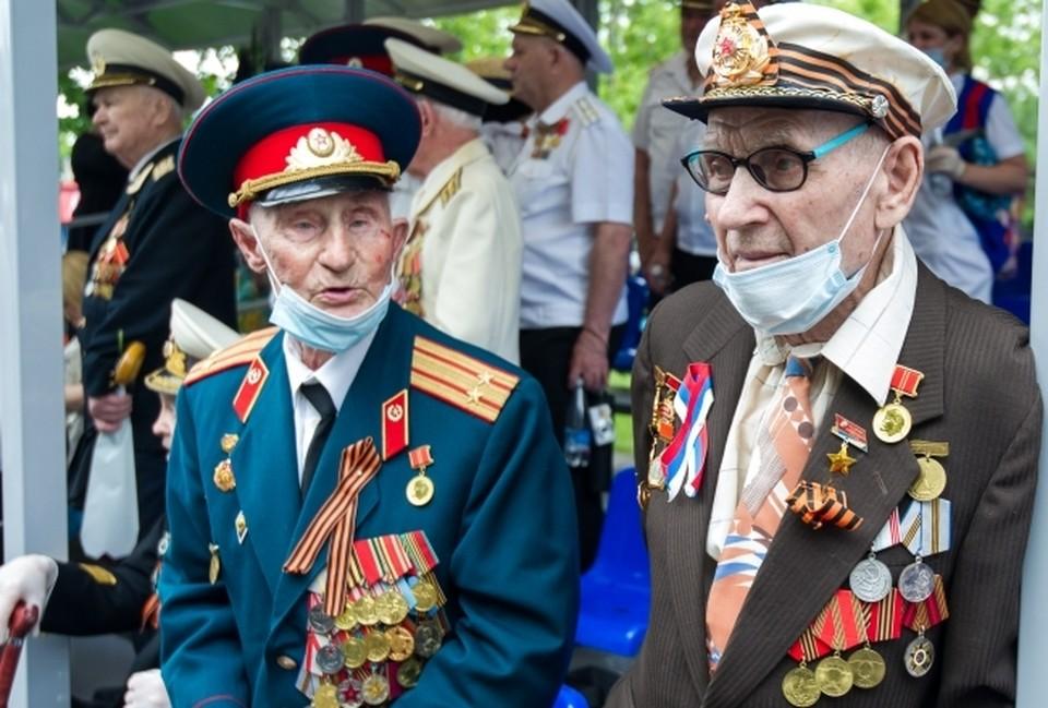 В Смоленске военный парад 9 мая пройдет без ветеранов.
