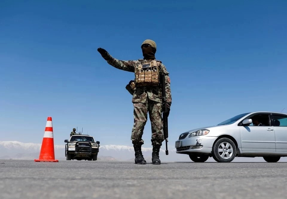 Президенты Киргизии и Таджикистана по телефону обсудили ситуацию на границе