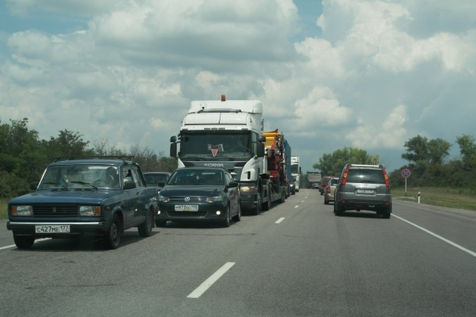 На Кубани на время майских праздников во избежание пробок на пяти участках трассы А-147 отменят реверс