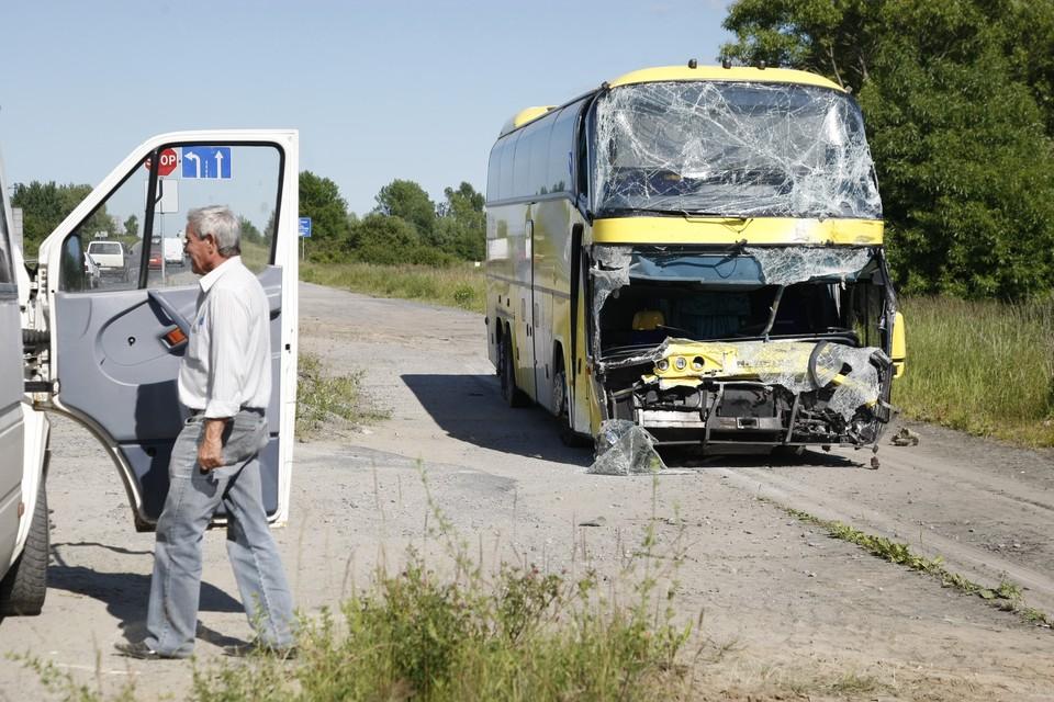 Рейсовый автобус опрокинулся в Нанайском районе Хабаровского края