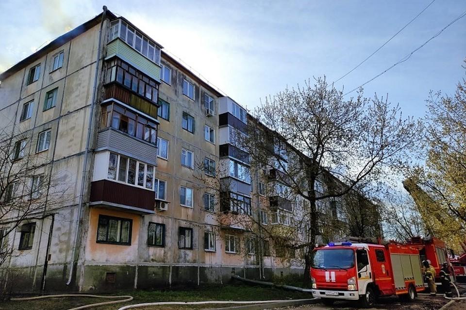 Площадь пожара составила 100 квадратных метров.