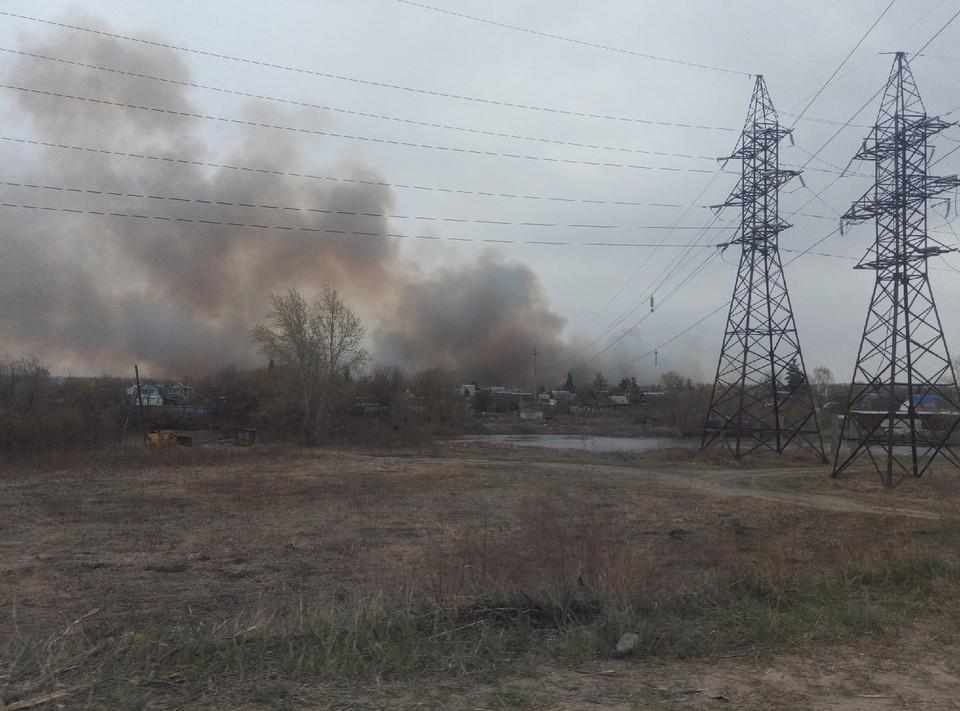 Пожару присвоен повышенный ранг. Фото: Инцидент   Курган/vk.com