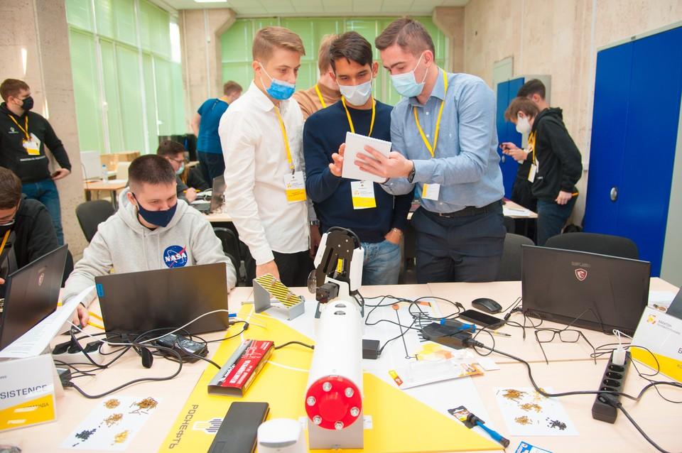 Студентов приглашают к участию в ИТ-соревнованиях