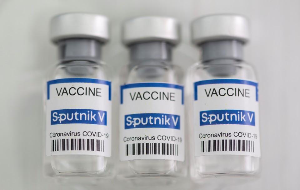 """В Шри-Ланку прибыла первая партия российской вакцины """"Спутник V"""""""