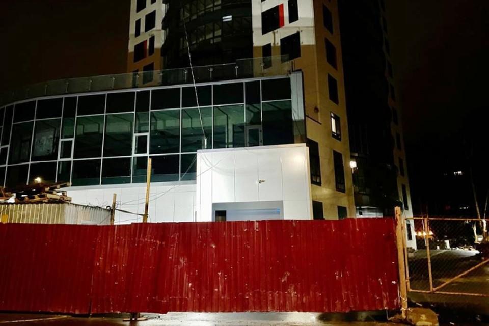 Забор принадлежал строительному объекту. Фото: vk.com/suskko