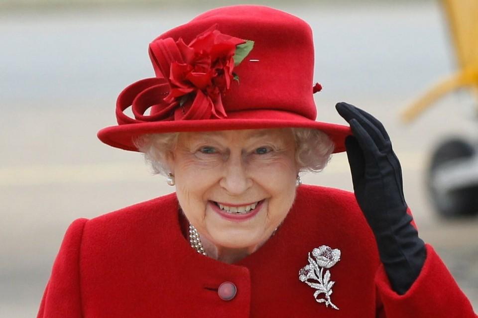 Исходный снимок сделан в 2011 году во время визита королевы в Уэльс