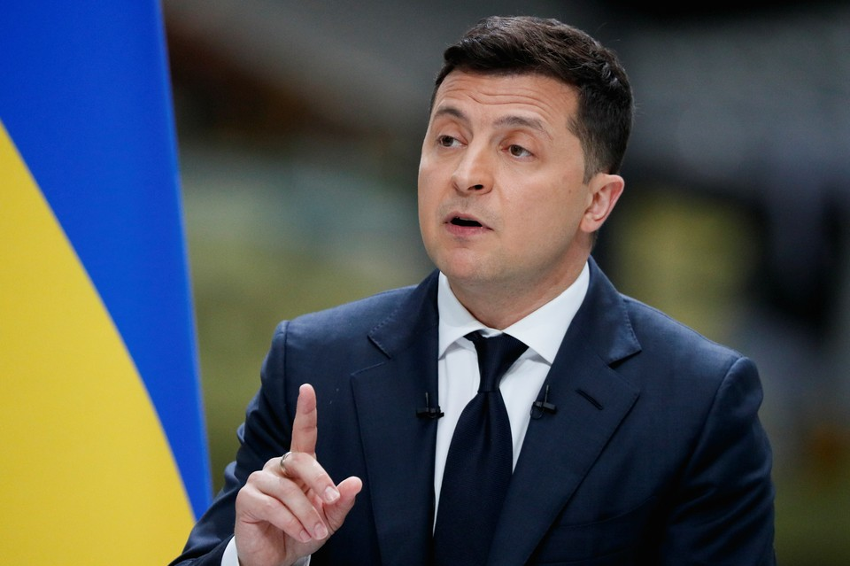 Владимир Зеленский продлил санкции против Первого канала, ВГТРК, ТНТ и НТВ