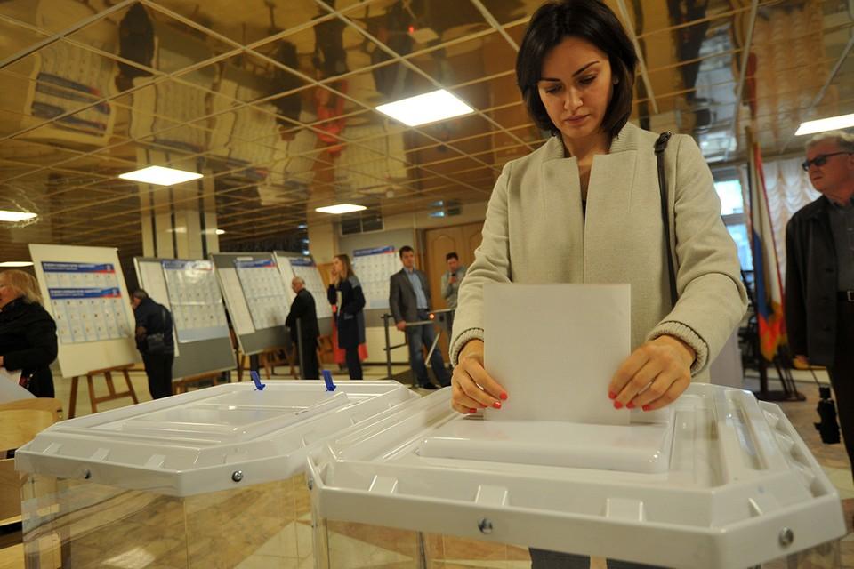Праймериз в этом году проводятся по открытой модели, когда каждый российский избиратель может проголосовать за того или иного претендента.
