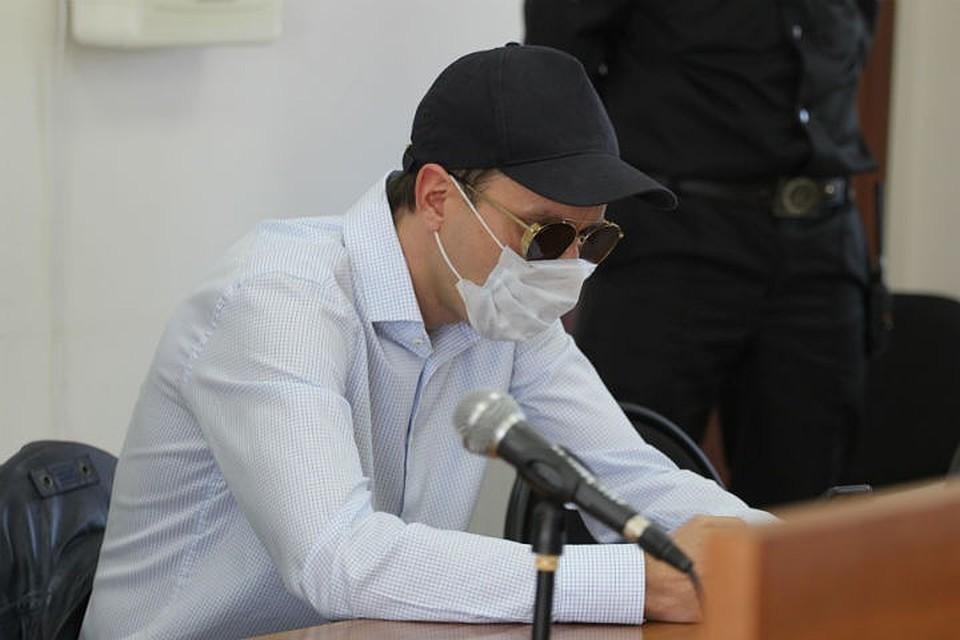 Тот самый мужчина, который заразил иркутянку во время заседания суда.